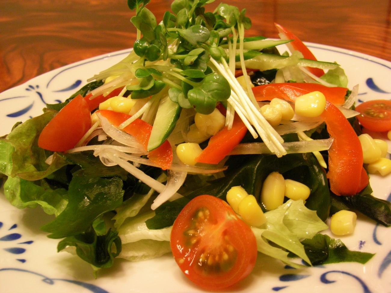 ★サラダ野菜サラダ720円シーザーサラダ920円